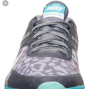 Nike flywire dual fusion sneakers